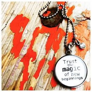 Bilde av WORDS, «Trust the magic...»